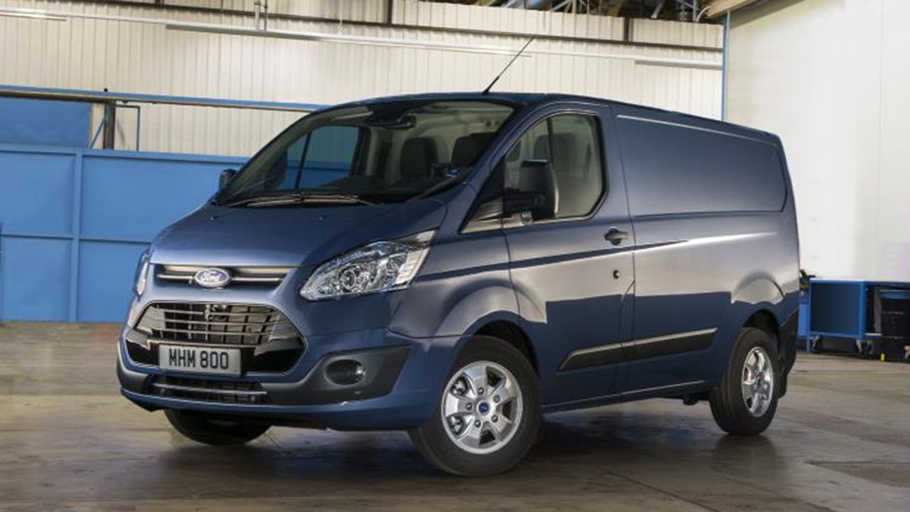 ford transit custom panel van 2016 review auto trader uk. Black Bedroom Furniture Sets. Home Design Ideas