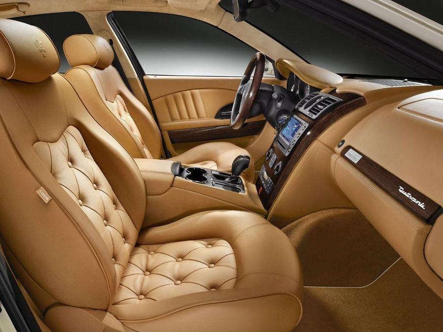 Maserati Quattroporte saloon