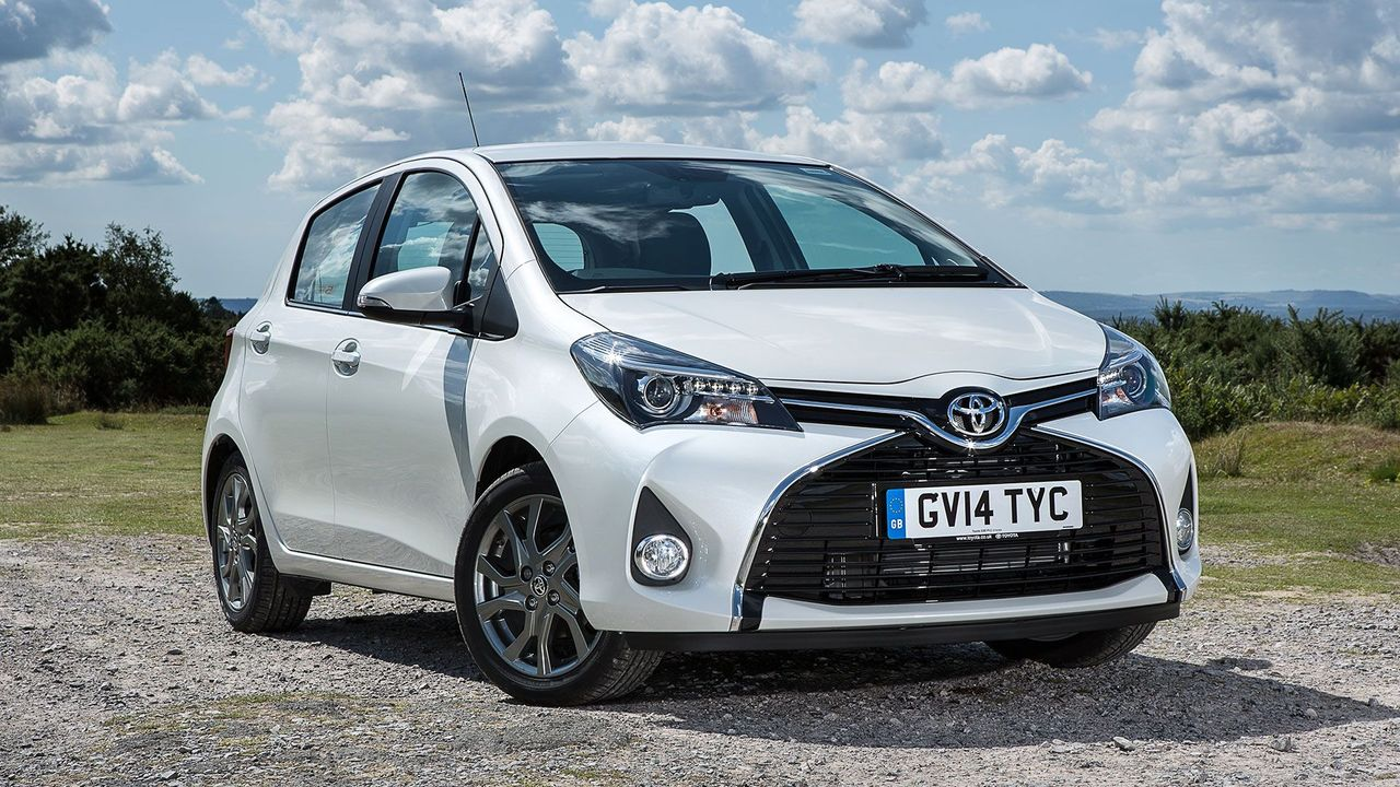 toyota yaris hatchback 2014 review auto trader uk. Black Bedroom Furniture Sets. Home Design Ideas