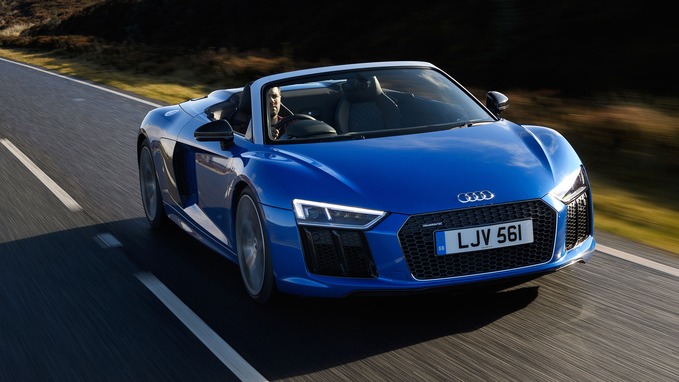audi r8 spyder convertible 2016 review auto trader uk. Black Bedroom Furniture Sets. Home Design Ideas