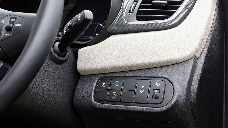 2016 Kia Carens safety