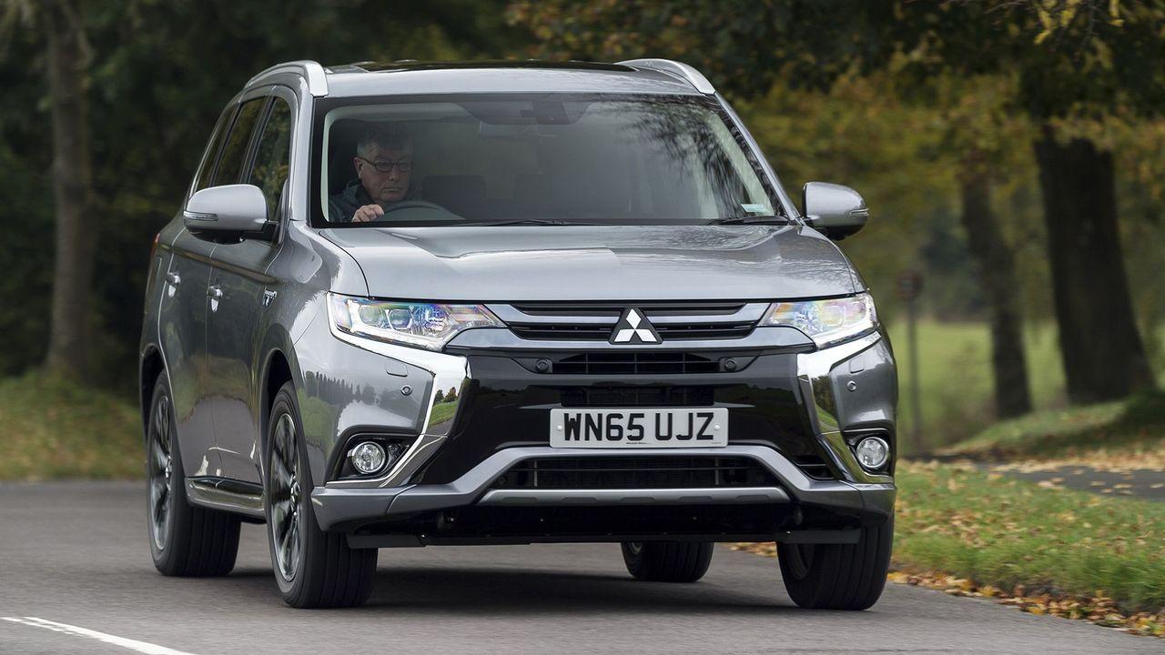 2015 Mitsubishi Outlander handling