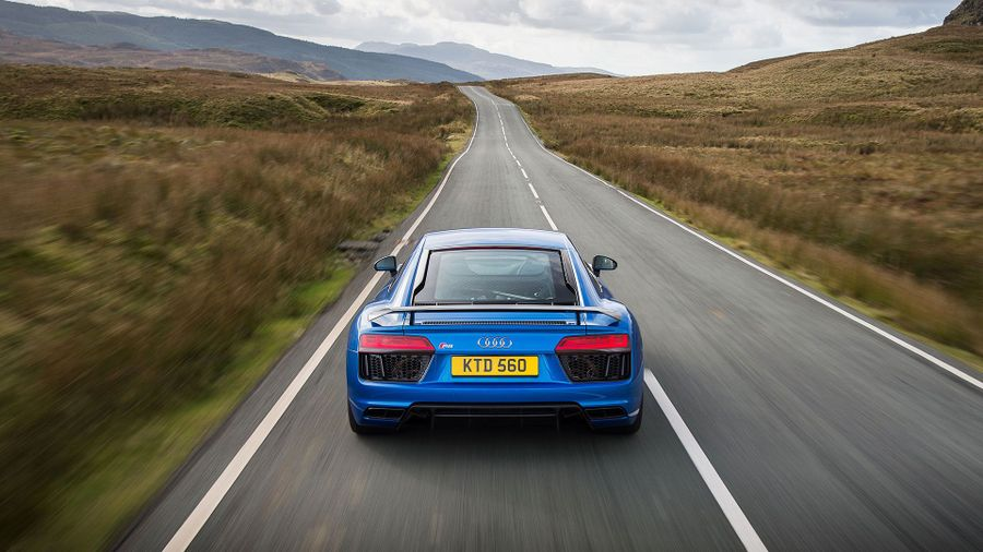 2015 Audi R8 V10 Plus power