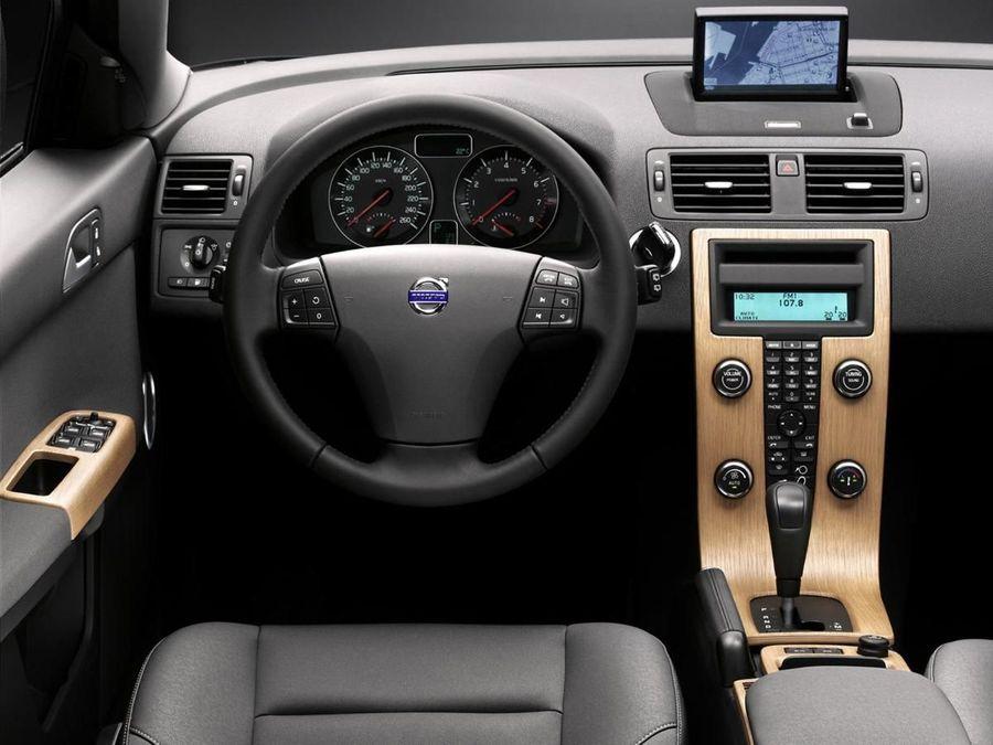 Volvo V50 estate