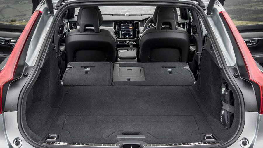 Volvo V90 practicality