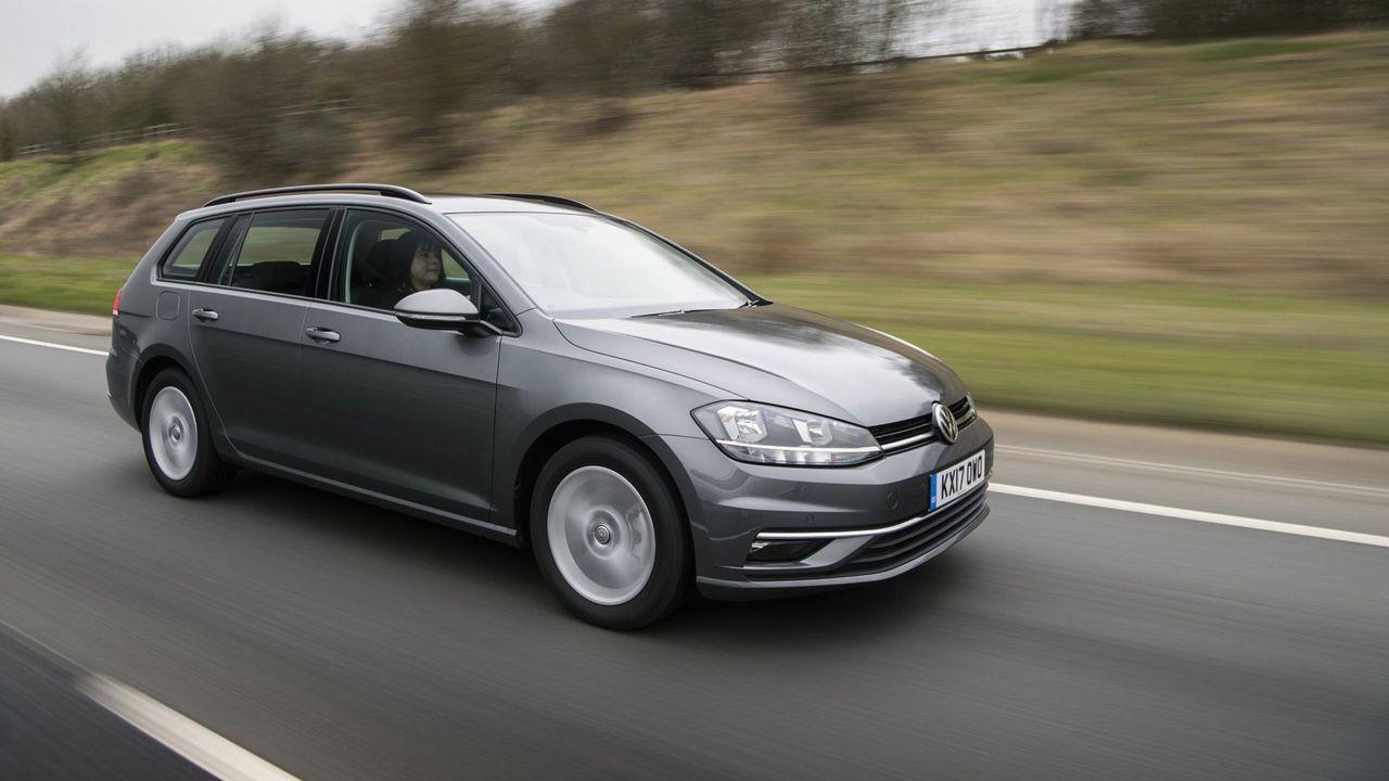 Volkswagen Golf Estate (2017 - ) review | Auto Trader UK
