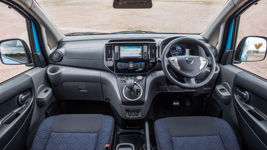 2015 Nissan e-NV200 MPV interior