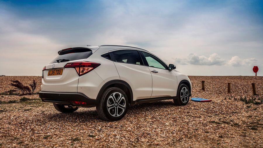 2015 Honda HR-V beach driving