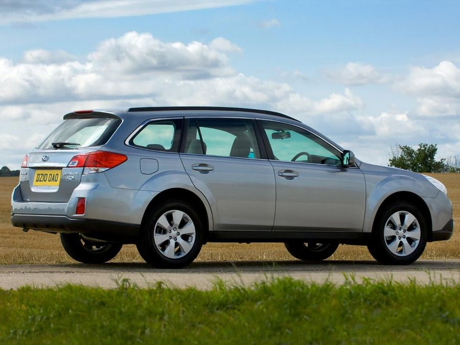 subaru outback estate 2009 expert review auto trader uk. Black Bedroom Furniture Sets. Home Design Ideas