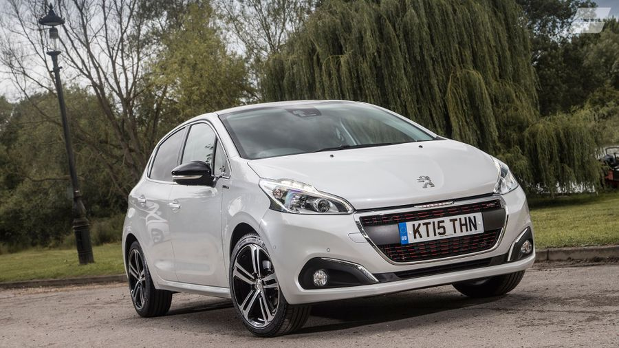 new peugeot 208 review deals auto trader uk. Black Bedroom Furniture Sets. Home Design Ideas