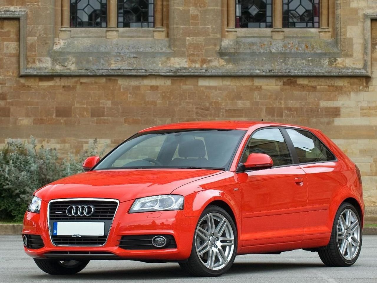 audi a3 hatchback 2003 2012 expert review auto trader uk. Black Bedroom Furniture Sets. Home Design Ideas