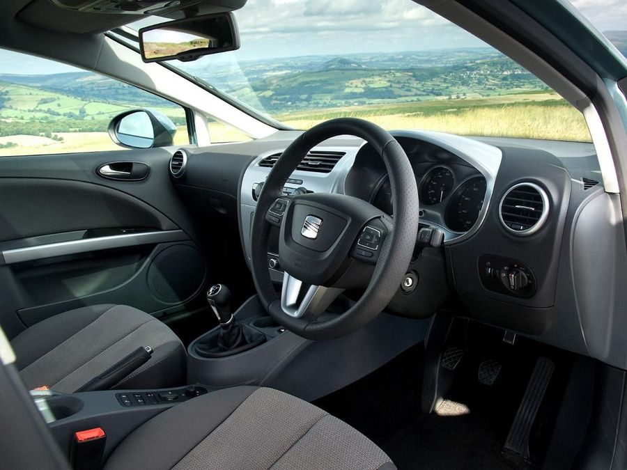 seat leon hatchback 2005 2012 mk2 review auto trader uk. Black Bedroom Furniture Sets. Home Design Ideas
