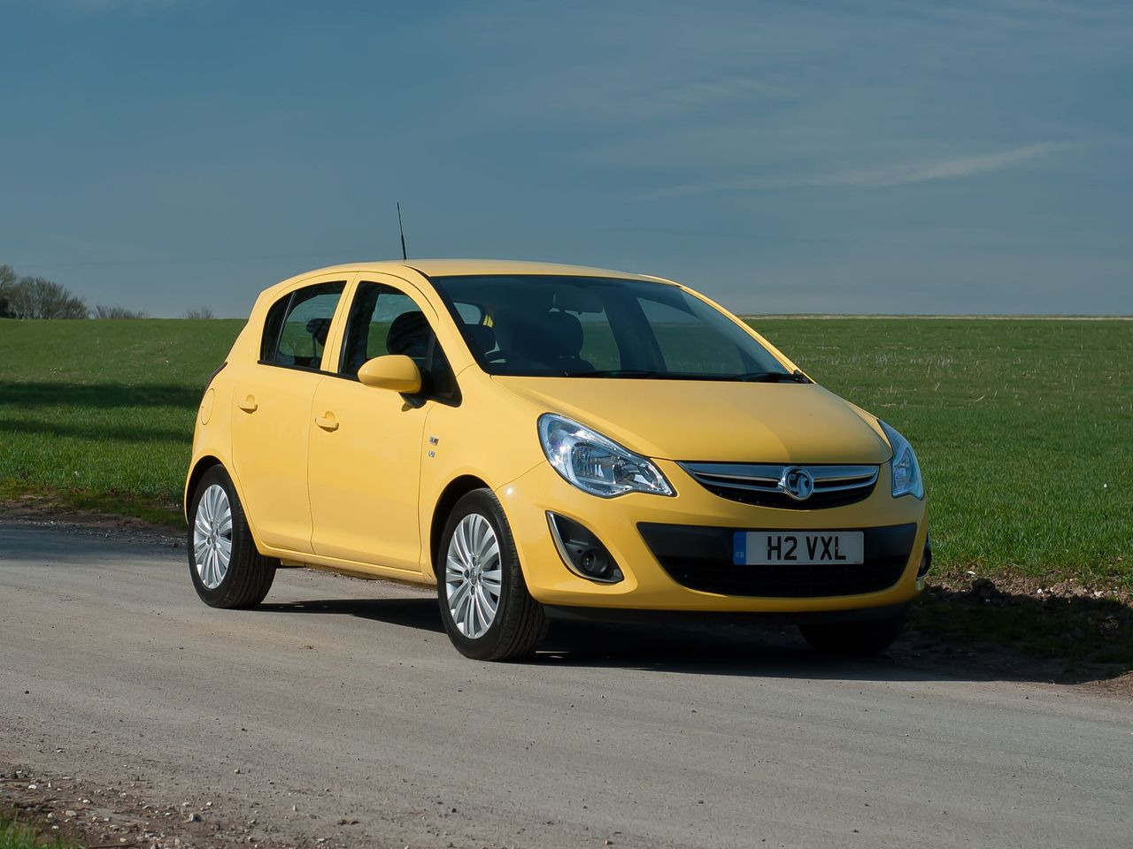 vauxhall corsa hatchback 2011 review auto trader uk. Black Bedroom Furniture Sets. Home Design Ideas