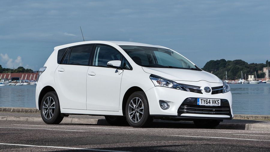 2013 Toyota Verso front 3/4