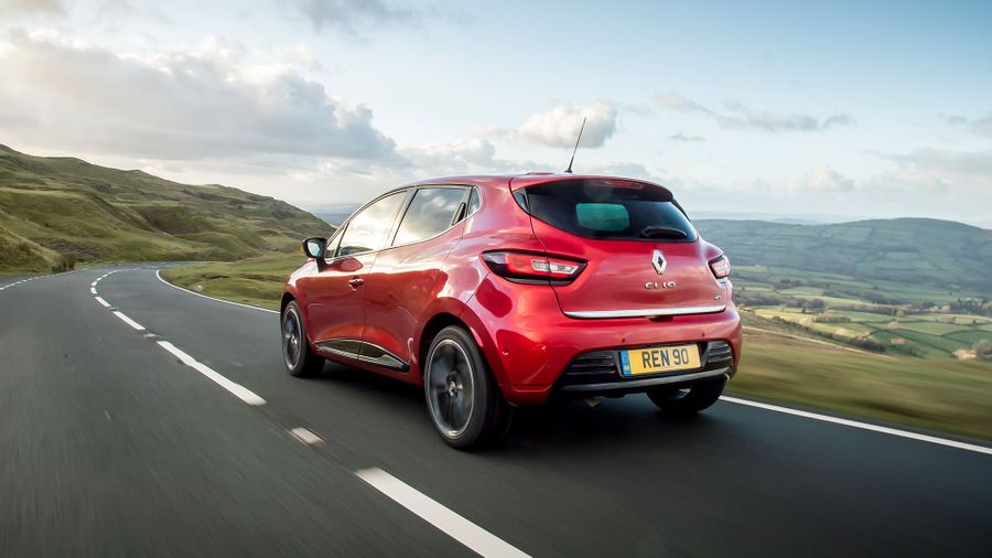new renault clio review deals auto trader uk. Black Bedroom Furniture Sets. Home Design Ideas