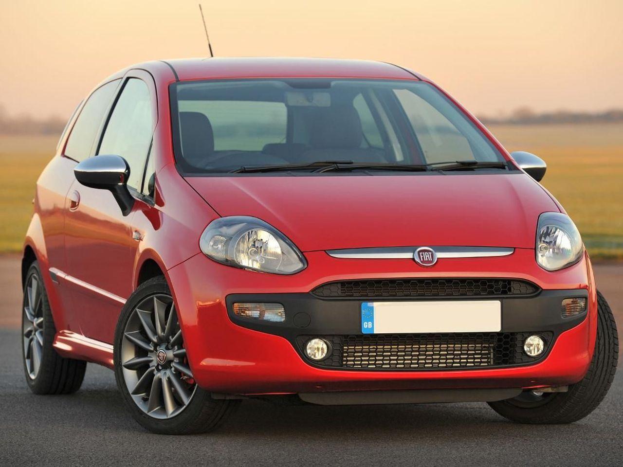 Truck Trader Online >> Fiat Punto hatchback (2009 – ) review | Auto Trader UK