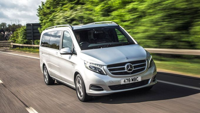 2015 Mercedes-Benz V-Class front tracking