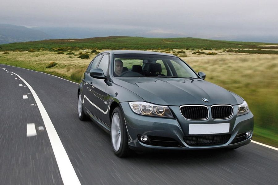 BMW 3 Series Saloon (2008 - 2012) review | Auto Trader UK