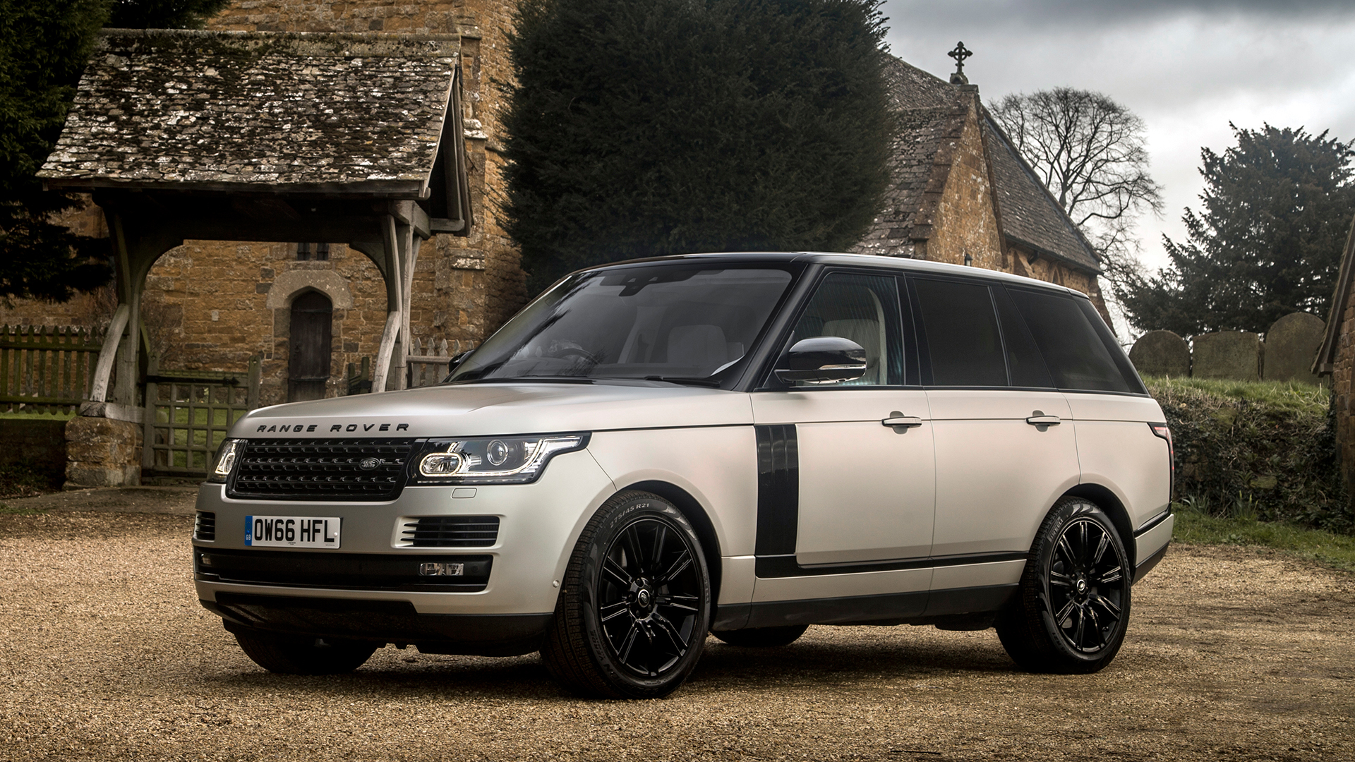 New Land Rover Range Rover Review & Deals