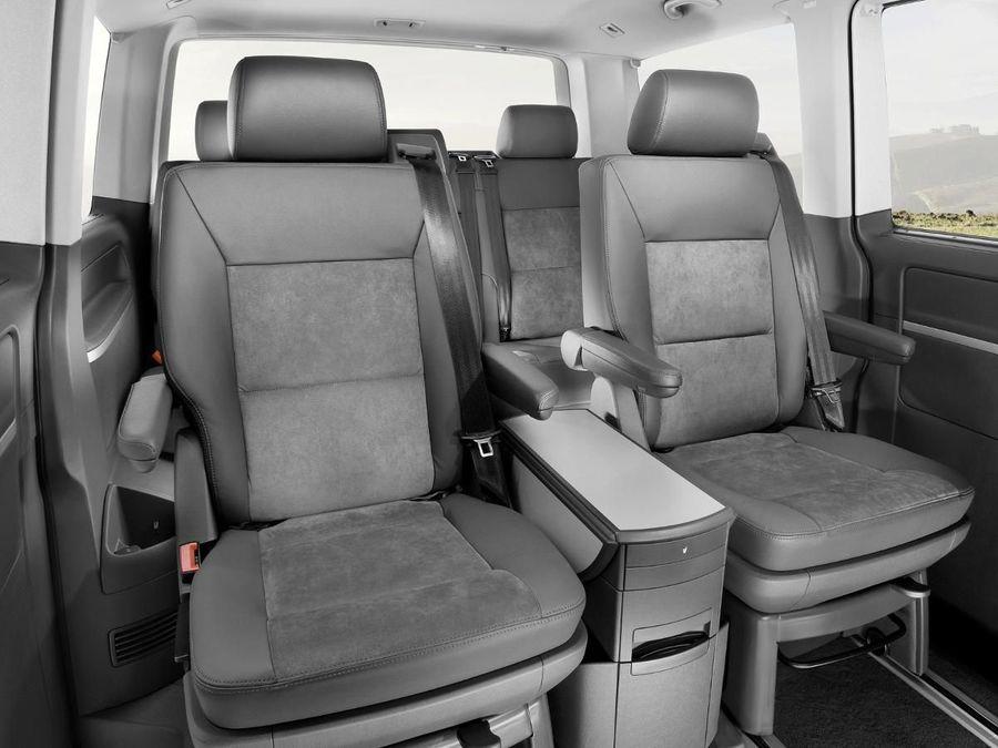 volkswagen caravelle mpv 2003 2015 mk3 review auto trader uk. Black Bedroom Furniture Sets. Home Design Ideas