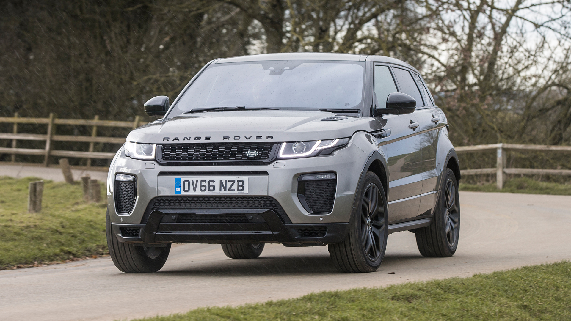 land rover range rover evoque suv 2011 l538 review auto trader uk. Black Bedroom Furniture Sets. Home Design Ideas