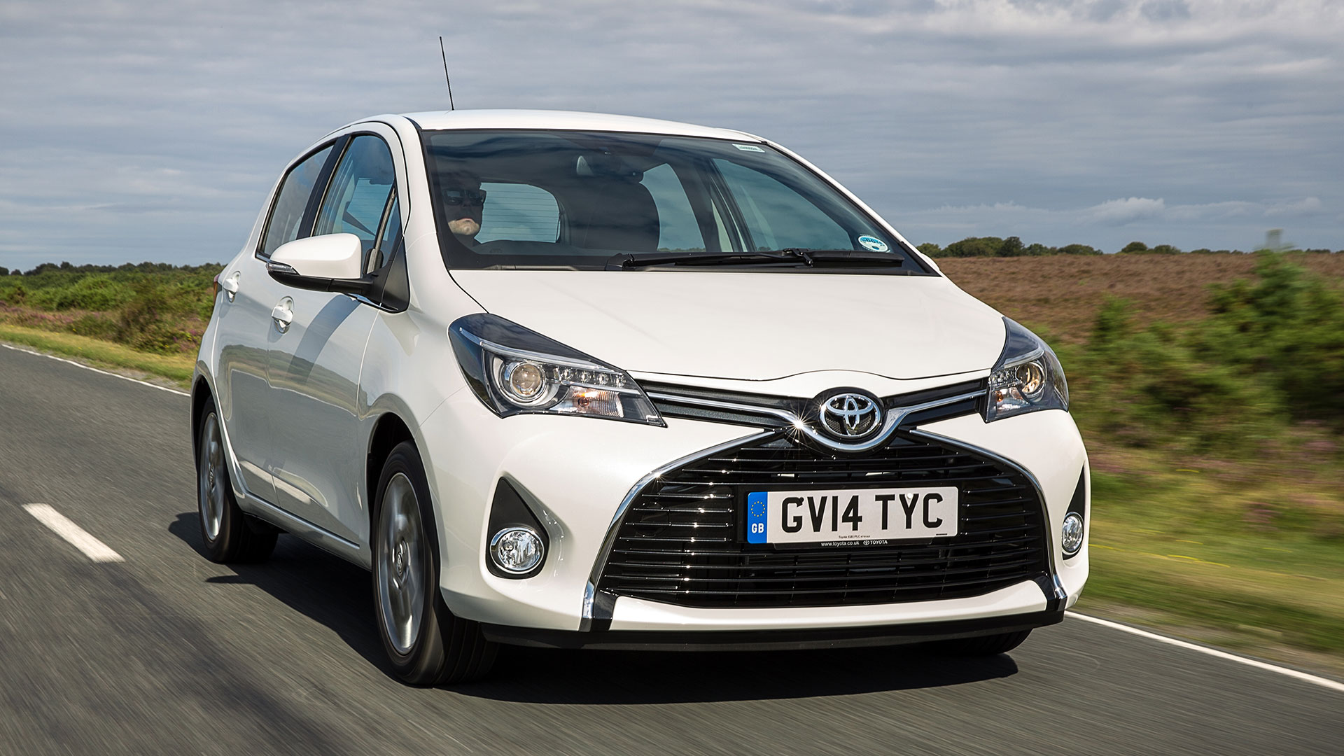 used toyota yaris cars for sale on auto trader uk. Black Bedroom Furniture Sets. Home Design Ideas