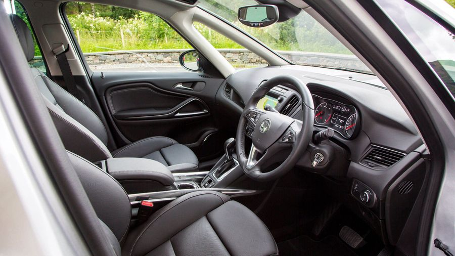 new vauxhall zafira tourer review deals auto trader uk. Black Bedroom Furniture Sets. Home Design Ideas