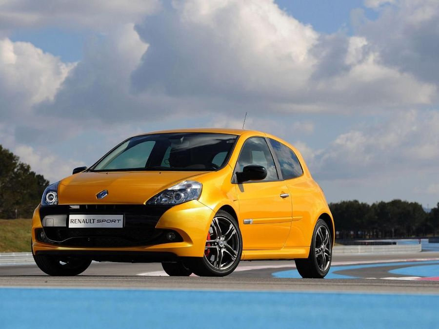 renault clio renaultsport 200 cup hatchback 2009 2013 review auto trader uk. Black Bedroom Furniture Sets. Home Design Ideas